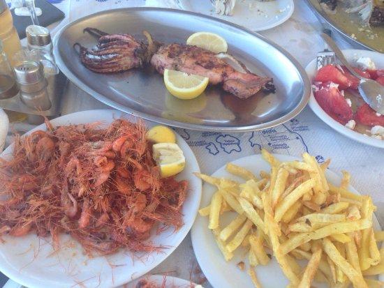 taverna giorgaros traditional sea food dishes from giorgaros in akrotiri