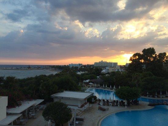 Grecian Bay Hotel Bewertung