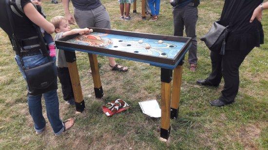 Moselle, Francia: Jeux en bois dans le Potager