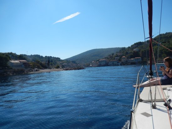 Dalmatie, Croatie : Coming into Stomorska