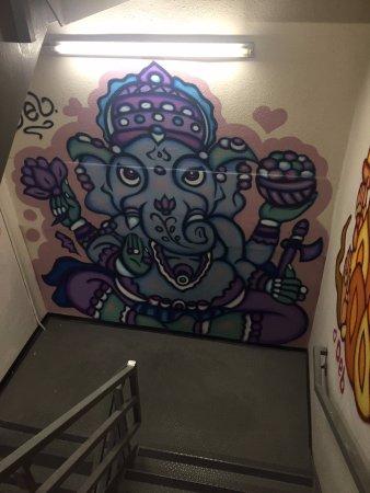 hotel zetta san francisco stair well art