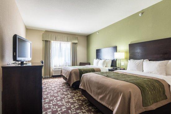 Comfort Inn & Suites: 2 Queen Bed Room