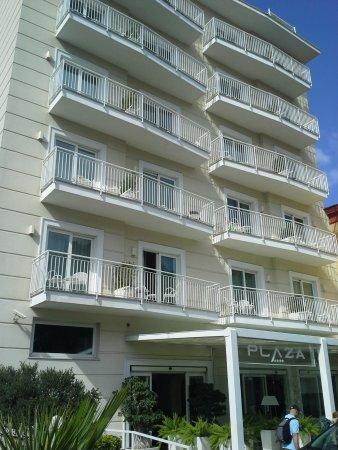 rm 405 balcony hotel plaza looking towards sea foto van. Black Bedroom Furniture Sets. Home Design Ideas