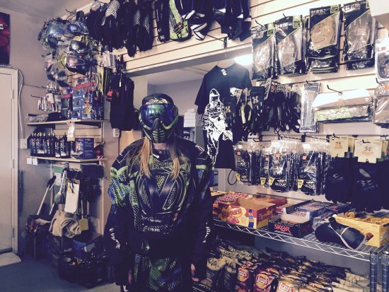 Stony Plain, Канада: Always a great time at  Young Guns Paintball!  World Class Paintball and Pro Shop Edmonton Alber