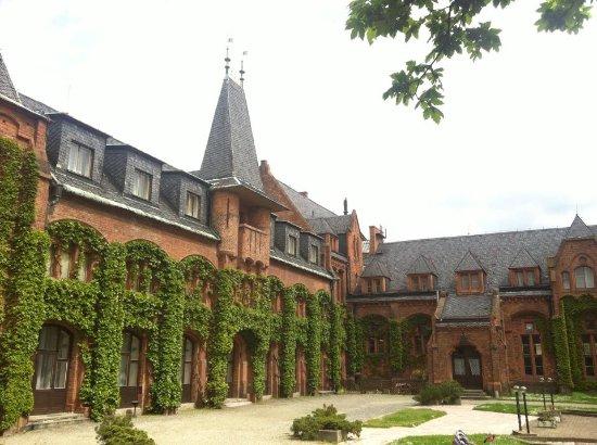 Hradec nad Moravici, Τσεχική Δημοκρατία: Nádvoří Červeného zámku