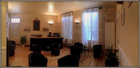 L'Auberge de l'ancienne poste: Le salon pour un apéritif ou un digestif en couple ou entre amis
