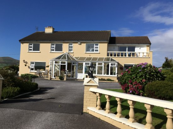 Cill Bhreac House B&B: Great Private Parking