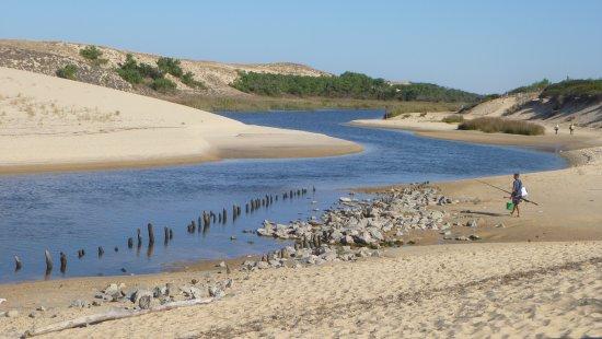 Camping Le Saint Martin: Courant d'Huchet donnant sur la plage, accessible depuis le camping
