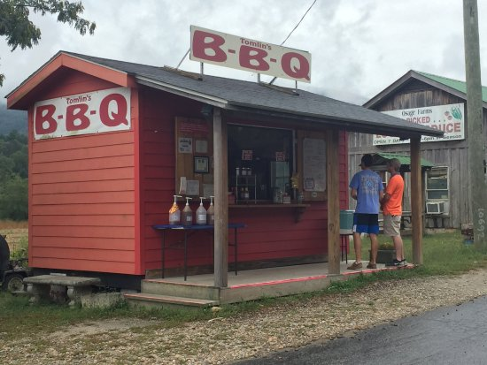"""Rabun Gap, GA: It's not a BBQ - it's """"TOMLIN'S""""!!!!!!!"""