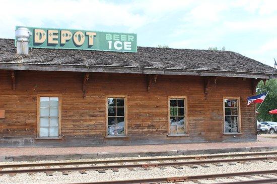 Prairie du Chien, WI: The Depot Bar