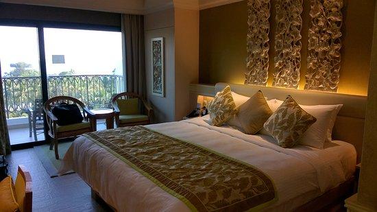 Shangri Lau0027s Rasa Sentosa Resort U0026 Spa : Chambre De Luxe Lit King Size Vue