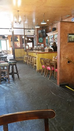 Flanagan's: Interior view in the dining area