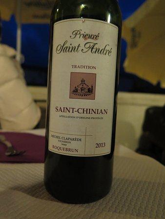 Roquebrun, Γαλλία: Un très bon vin local, léger et parfumé
