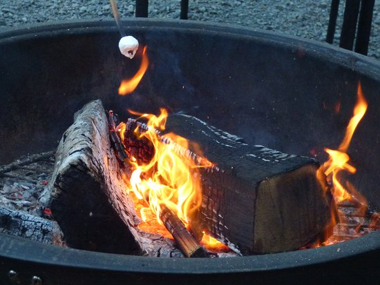 Bay City, OR: Making S'mores