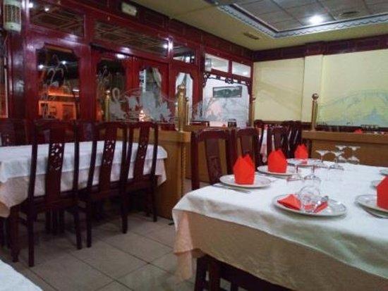 Alcudia, İspanya: Interior restaurante