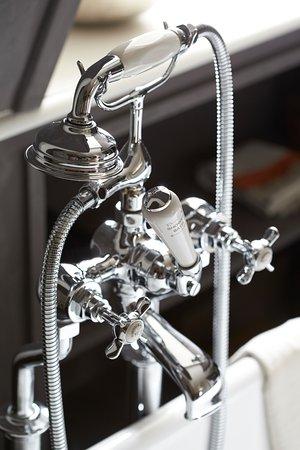 Suitehotel Restaurant Posthoorn: Suite (Diensthuys Bathroom)