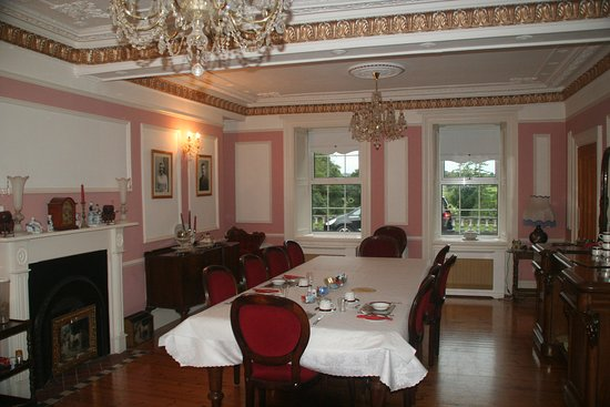 Dundrum House: most beautiful dining room during our 2 week trip