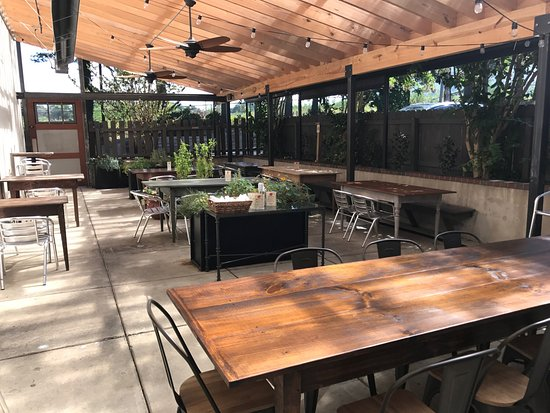 Native Kitchen & Social Pub: Covered patio, private dining room, weekly specials!