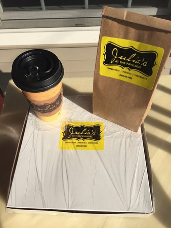 Cafe Julia: Best cookies and coffee