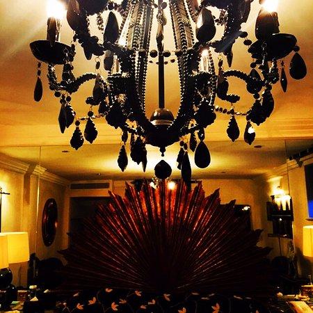 The Milestone Hotel: Stunning decor