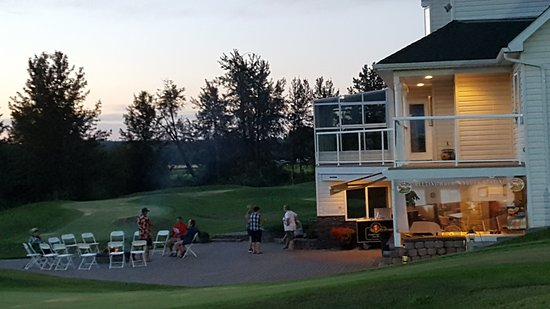 Spruce Grove, Canadá: Patio at the putting course and lounge at Putting Horse Ranch for a bon fire and social gatherin