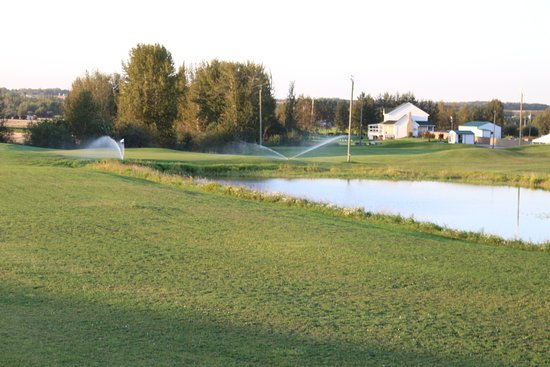 Spruce Grove, Canadá: New golf course opening in 2017 at Putting Horse Ranch for all the shots of golf on a Par 3,4 &