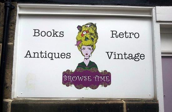 Otley, UK: Shop Sign