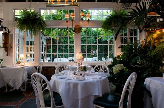 The terrace at the charlotte inn edgartown restaurant for Terrace restaurant charlotte