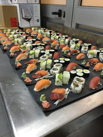 Dragon roll picture of q sushi el puerto de santa maria tripadvisor - Sushi puerto santa maria ...