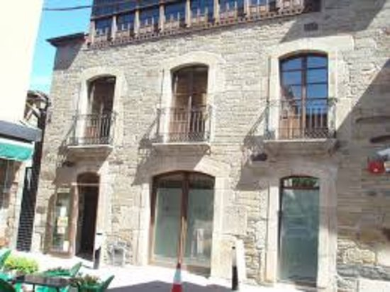 Cacabelos, Espagne : Fachada museu