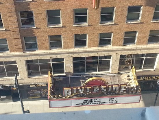 Residence Inn Milwaukee Downtown: Great location and staff but needs some TLC