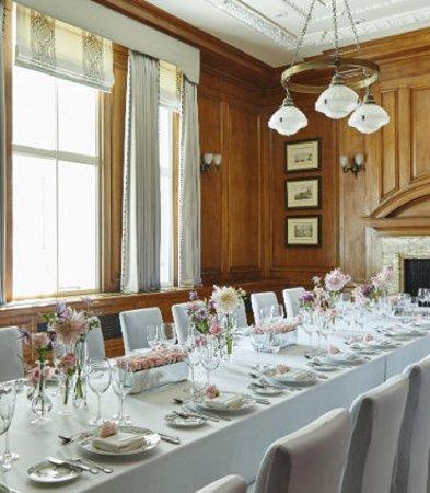 London Marriott Hotel County Hall: Meeting Room - Wedding Rehearsal Dinner