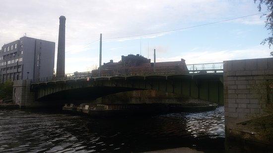 Yekateringofskiy Bridge