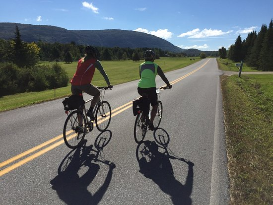 Inn to Inn: Cycling along a quiet road on the shoulder of Vermont's Green Mountains (Champlain Valley).