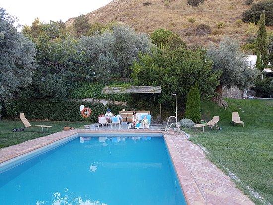 La Almunia del Valle: photo1.jpg