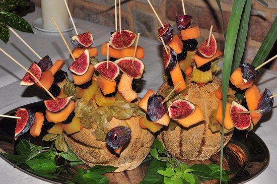 Decorazioni Buffet Frutta : Decorazioni con frutta di stagione foto di hosteria la cave cantù