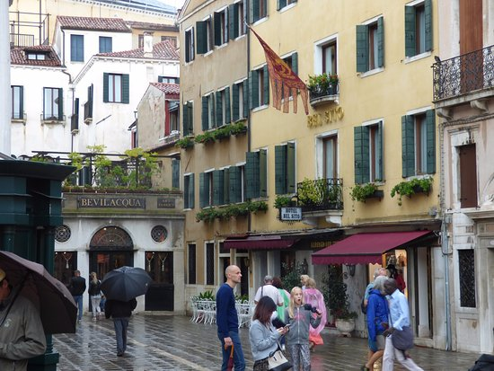 Bel Sito e Berlino: Bel Sito in the lovely little plaza