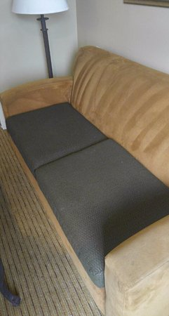 Oxford Suites Chico: The winner of the ugliest couch award.
