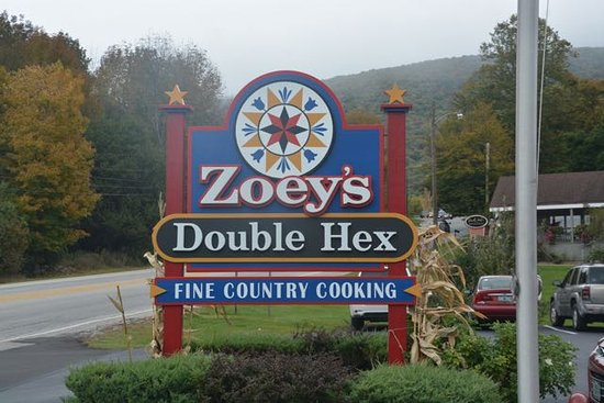 Zoey's Double Hex Restaurant: View from the road