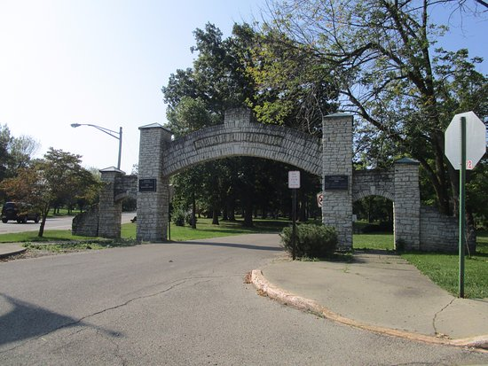 New Castle, IN: park entrance