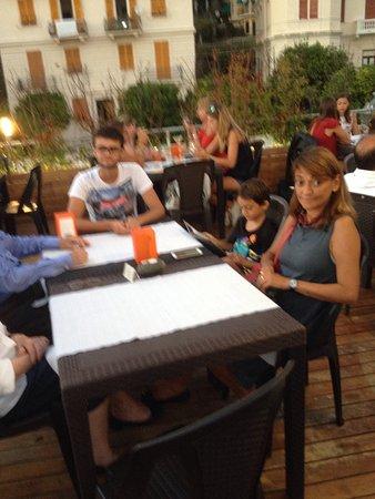 Bogliasco, إيطاليا: La migliore barman di Just Peruzzi ! Esperta e competente la ricordo con affetto
