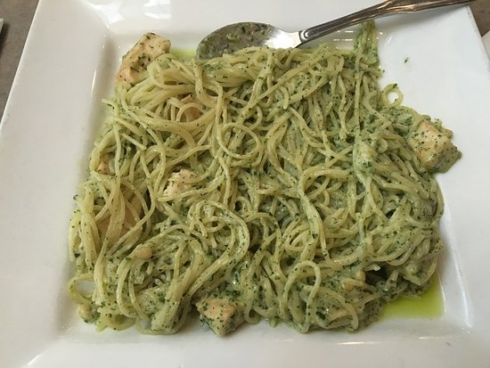 Angel Hair Linguine With Alfredo Sauce And Pesto Sauce And Grilled