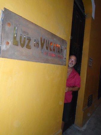 Luz En Yucatan: front door