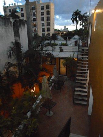 Luz En Yucatan: grounds