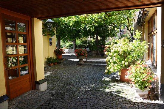 Hotel Sänger Blondel: entering the outdoor eating area
