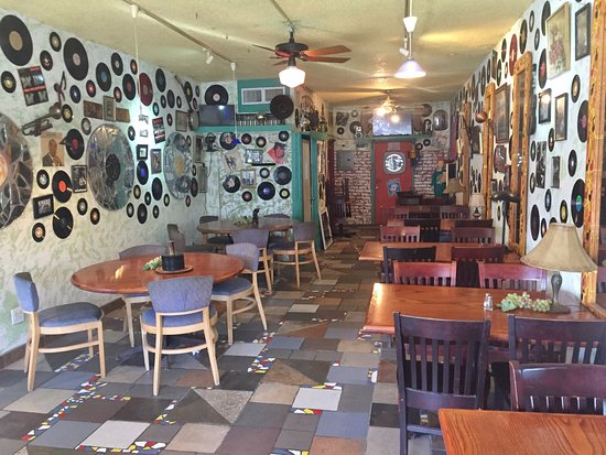 Poki Joes Cafe And Catering Joe S Dining Room Sarasota Fl