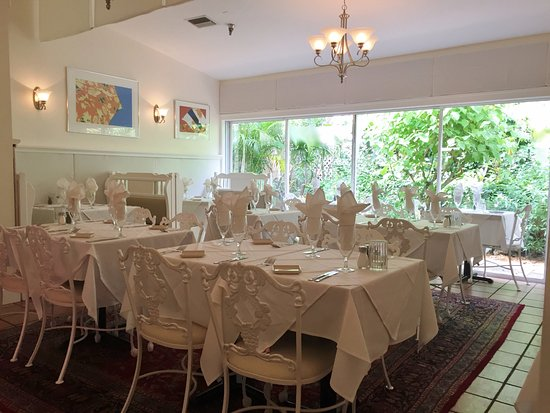dining room1 harrys continental kitchens longboat key fl - Continental Kitchen