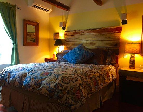 Millbrook, นิวยอร์ก: Creekside Room Queen bed