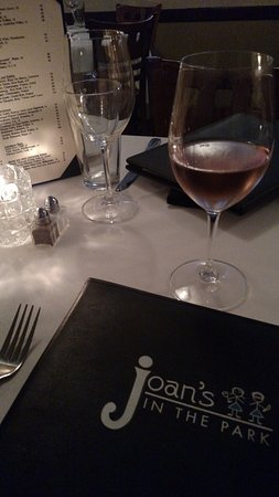 Joan's in the Park: Nice wine list