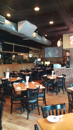 Ambler, PA: Dining with the excitement of numerous sports ACTION!